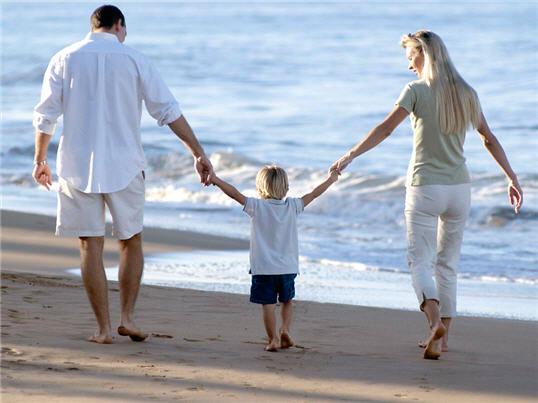 Cuide de quem você ama em todos os momentos, contrate já um seguro de vida com a Azul Seguros.